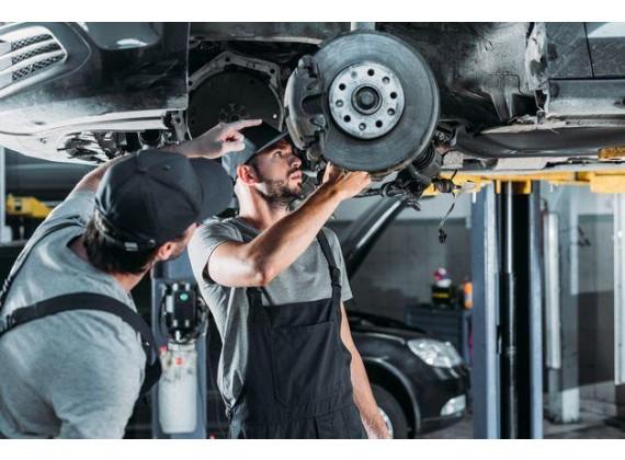 Слесарь по ремонту автомобилей